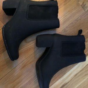 Jeffrey Campbell Shoes - Jeffery Campbell rainboot waterproof booties sz 8